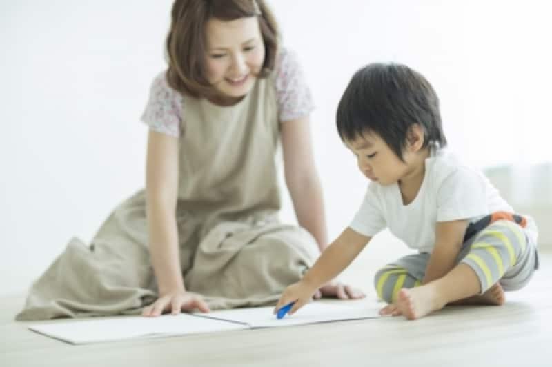 子どものお絵かきで親がやってはいけないことって?