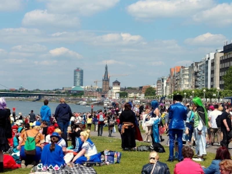 デュッセルドルフの日本デー!花火も上がる欧州最大のコスプレ祭り