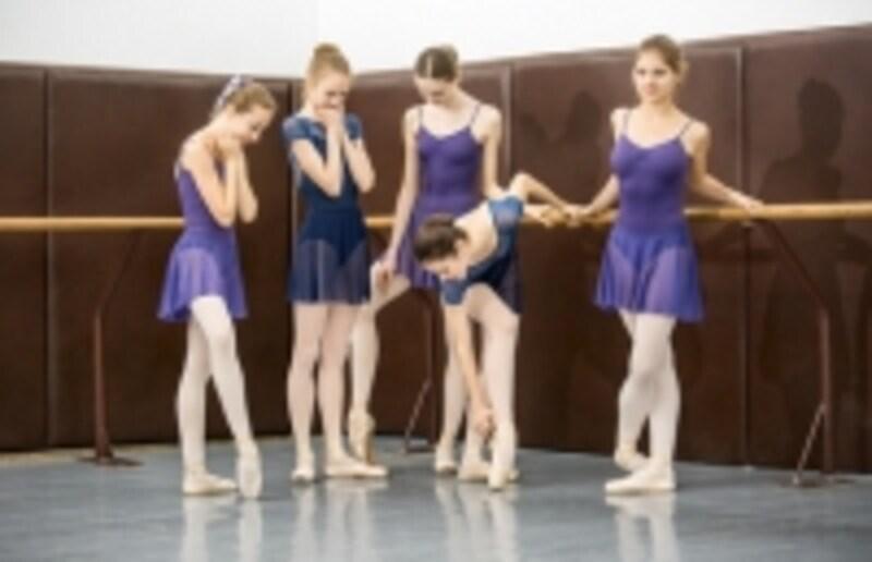 バレエの夏期講習は子ども向けがほとんどですが、探せば大人が受けられるものも見つかります。