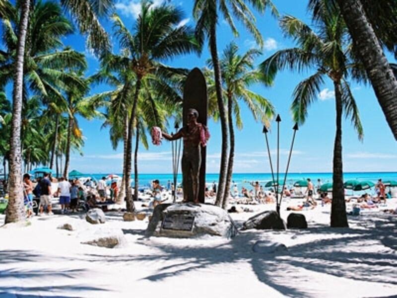 パッケージツアーなら、航空券やホテルの予約など面倒な手続きなしでらくらくハワイへ!