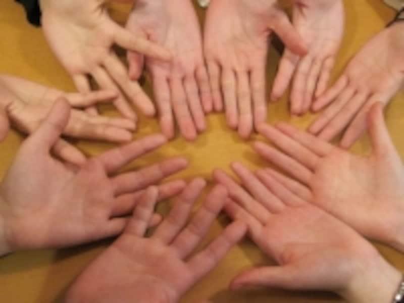 手がいっぱい