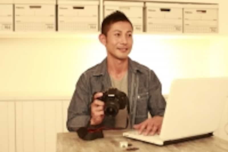 カメラで撮影しようとしている様子