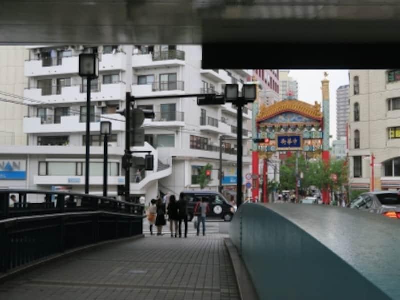 元町と横浜中華街を結ぶ「前田橋」も登場