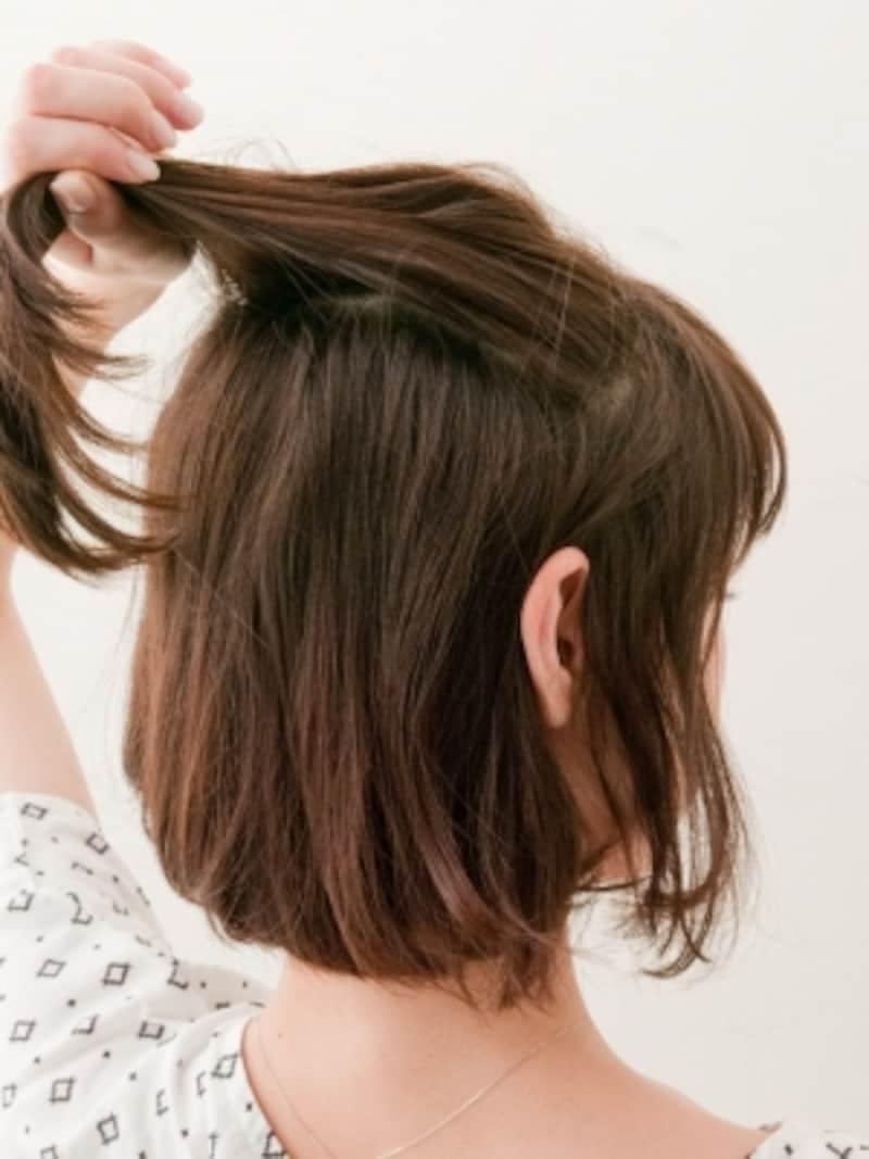 ハチ上の髪を分け取る