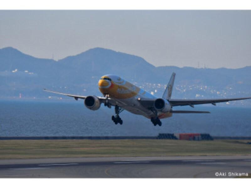 滑走路から離陸する機体を日中撮影。NikonD500AF-SNIKKOR80-400mmf/4.5-5.61/1600秒F8WBマニュアルISO320