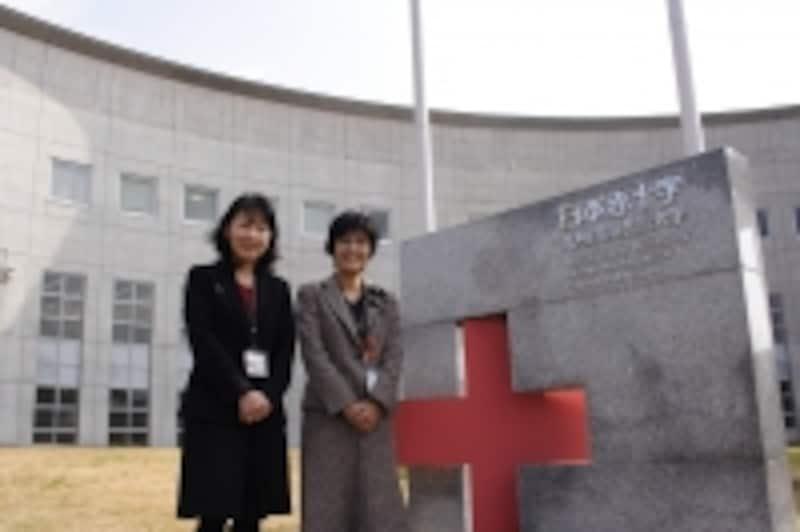 小林裕美教授(左)と乗越千枝教授(右)