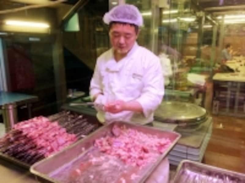北京B級グルメレストラン「羊肉串(平娃三宝)」