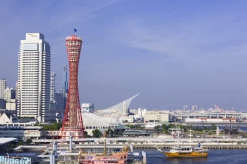 海きわきわに建つポートタワー