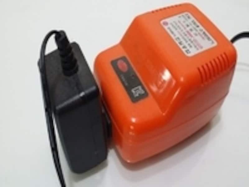 ホテルでレンタルできるならば、こちらも便利な道具です。手持ちの電子機器に対応している変圧器があるかどうか事前にご確認を!