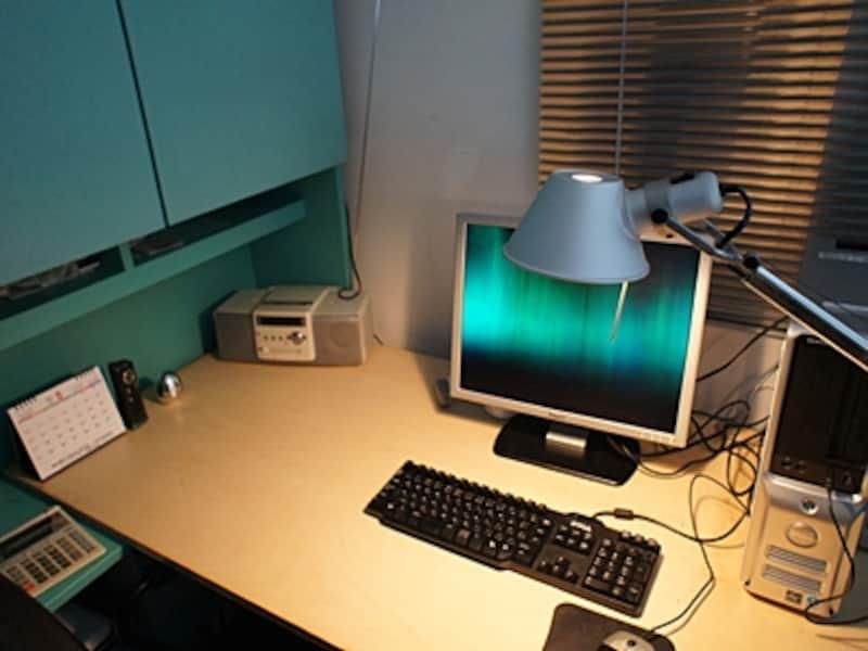 パソコンデスクundefinedタスク照明