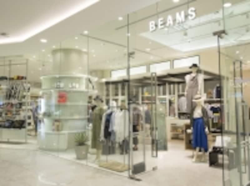 「BEAMS」undefinedHELIX1階メンズ、レディース、小物を揃え、トータルファッションを提案