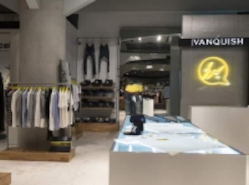 「Vanquish」WATERHALLM階輸入カジュアルブランドが集まるQスタジアムに出店