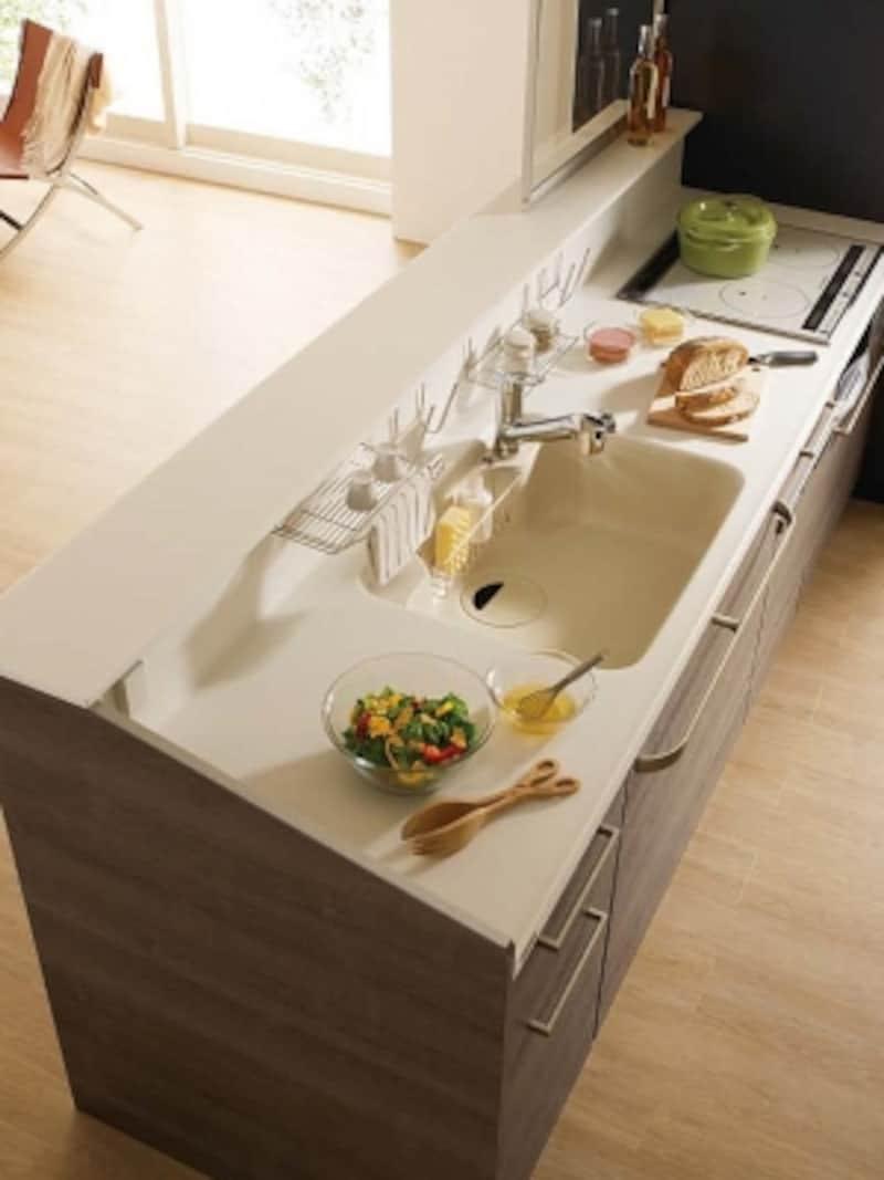 調理スペースが確保されたシステムキッチン