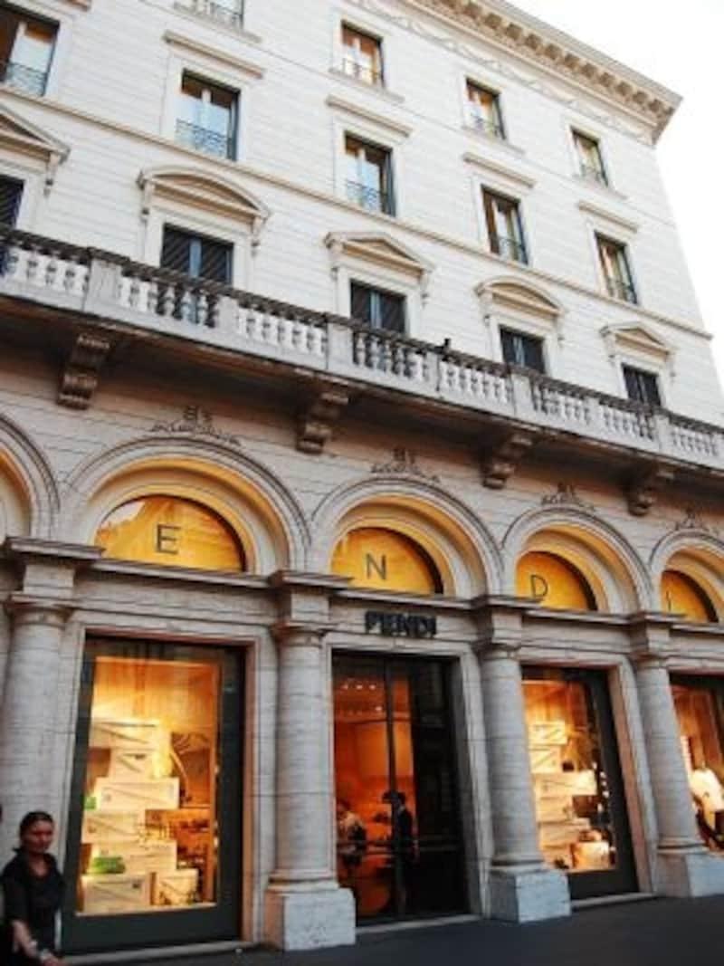 イタリア生まれの老舗ブランド、格式高い本店にも訪れたい
