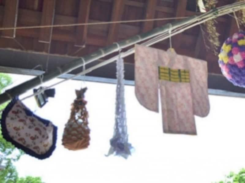 七夕飾り・笹飾り……巾着、くずかご、網飾り、紙衣、薬玉