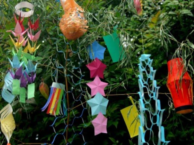 七夕飾りの折り紙…織姫・彦星・星・あみかざり・ちょうちん