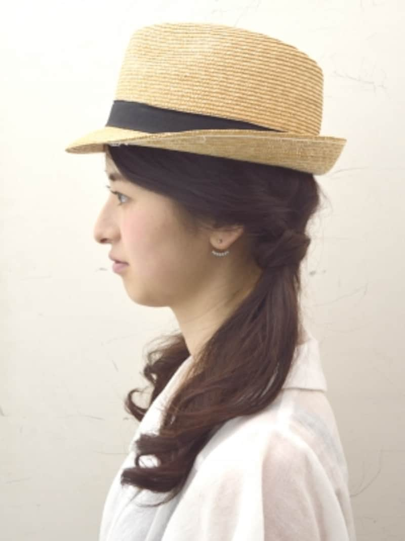 夏到来!麦わら帽子に似合うツインテールヘアアレンジ