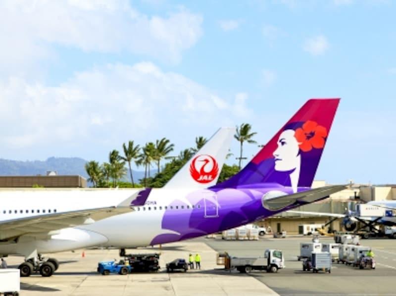 日本からハワイへの便数No.1の日本航空とNo.2のハワイアン航空