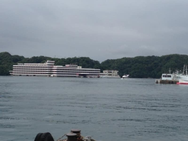 孤島に浮かぶホテル