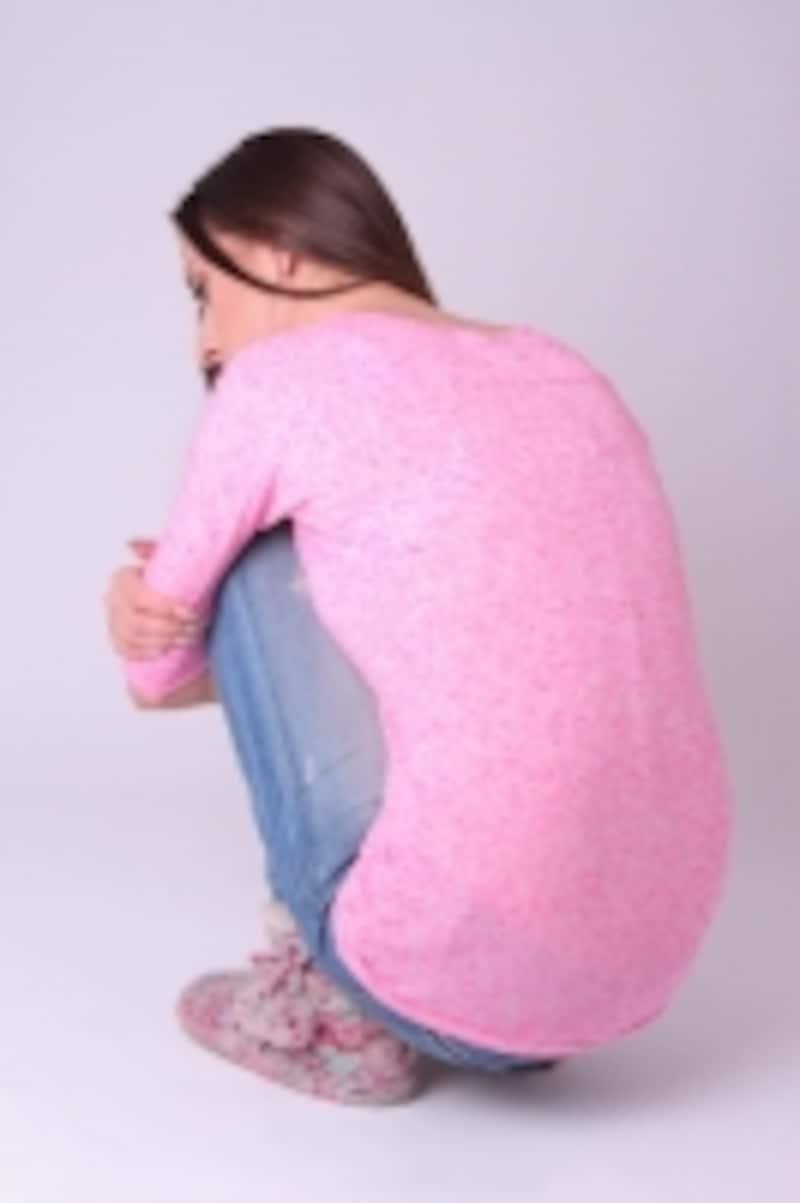 姿勢によって下肢の循環が悪くなる衣服があります