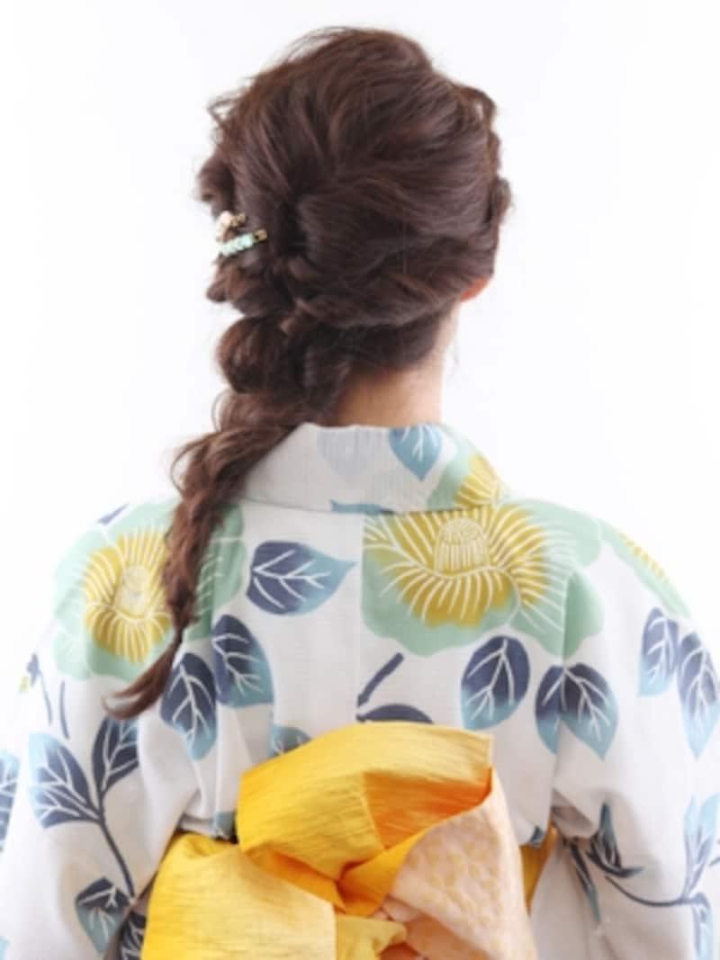 ロング浴衣・ノスタルジーが香る三つ編みアレンジ