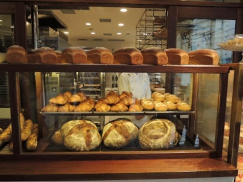 カンパーニュなど本格食事パンが愉しめる