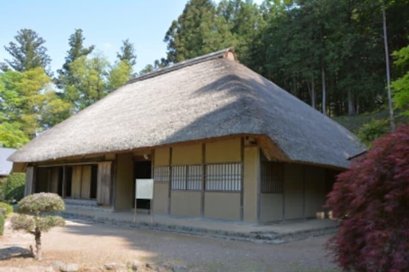 和紙の里に移築された細川紙紙漉家屋