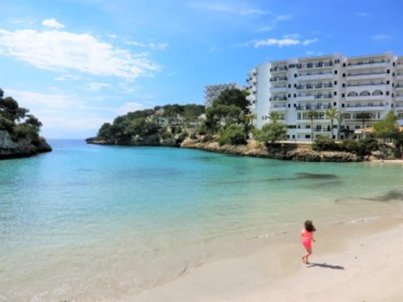 ホテルからビーチまで歩いて数十秒!何もしない、何も買わない、ただ自然と戯れるだけの贅沢