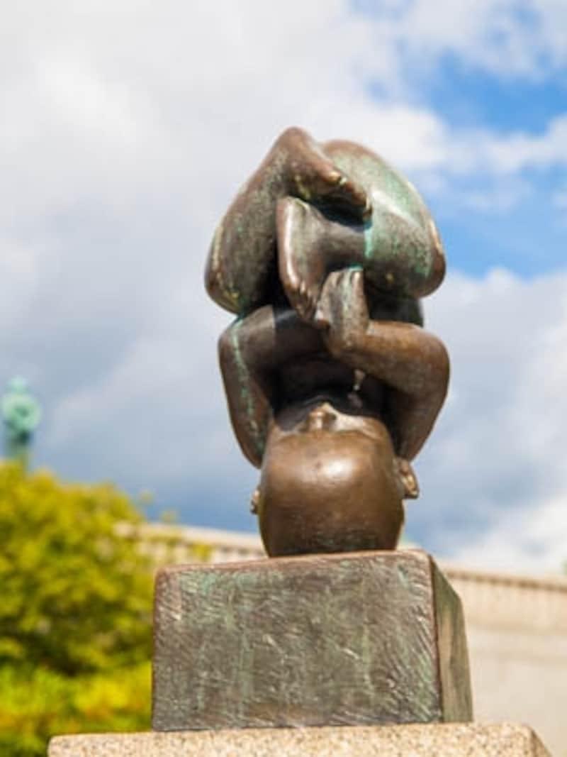 おかしな彫刻