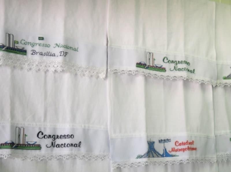 吸収力抜群のブラジル製食器布巾、刺繍入りは1枚15レアル(約600円)