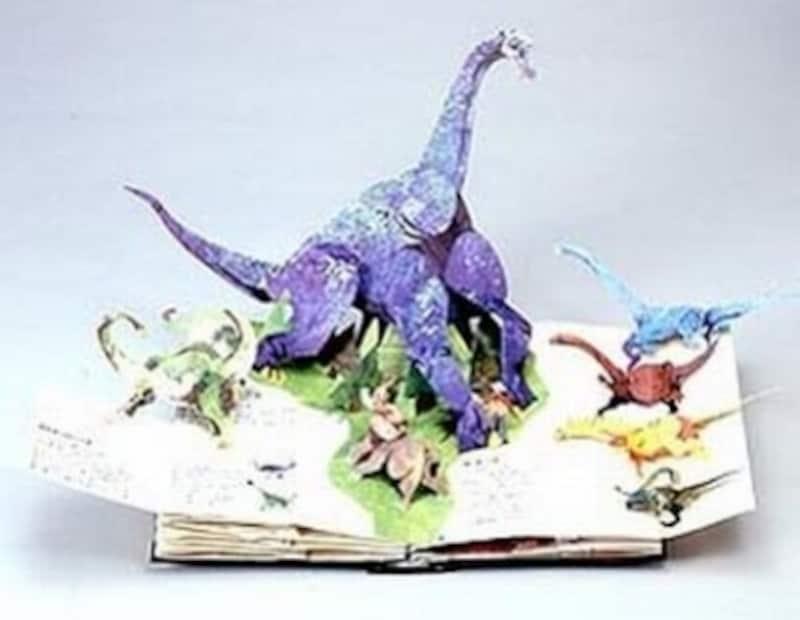 首の長い恐竜のページ。化石のイラストの描かれた小さなページを開くと、恐竜の姿になって飛び出してきます