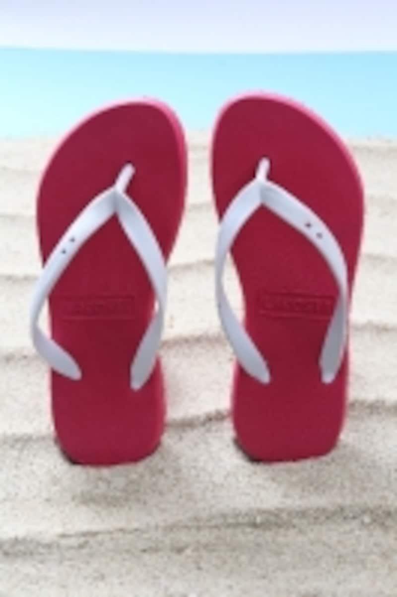ビーチサンダルと砂浜がエクササイズにオススメです。