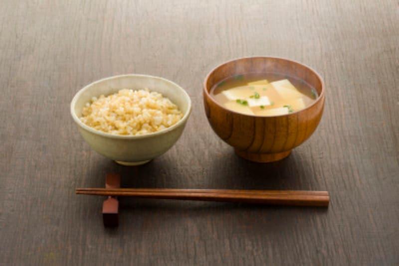 玄米とお味噌汁