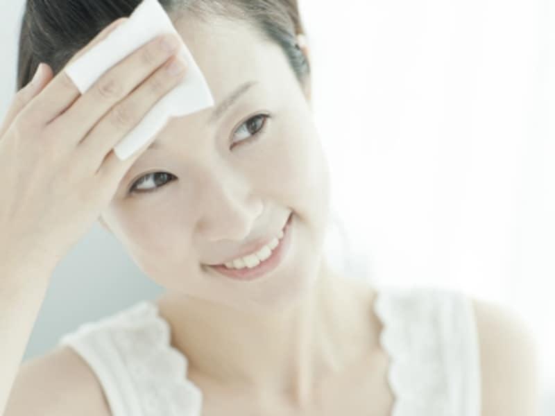 収れん化粧水で皮脂をコントロールして毛穴レス肌に