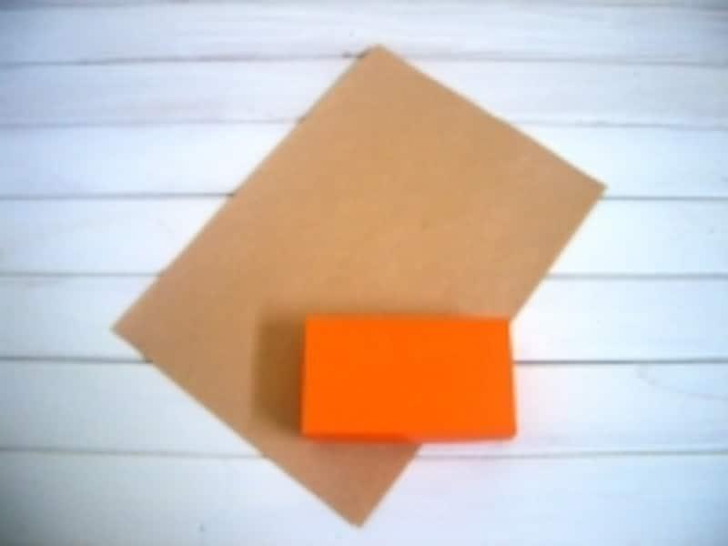 包装紙の包み方!ななめ包み/デパート包みの工程:ななめに置きます