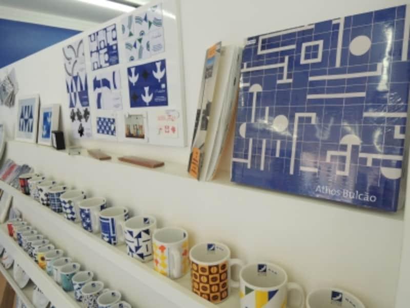 Tシャツ、タオルケット、食器、壁飾りなど商品多数