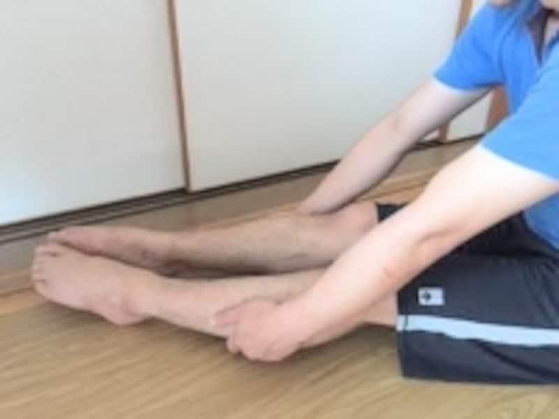 足首が硬く感じるかもしれませんがエクササイズを続けると動かしやすくなっていきます