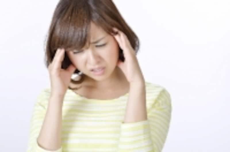 頭痛を繰り返す人の中には頭皮のコリが原因になっている人がいます