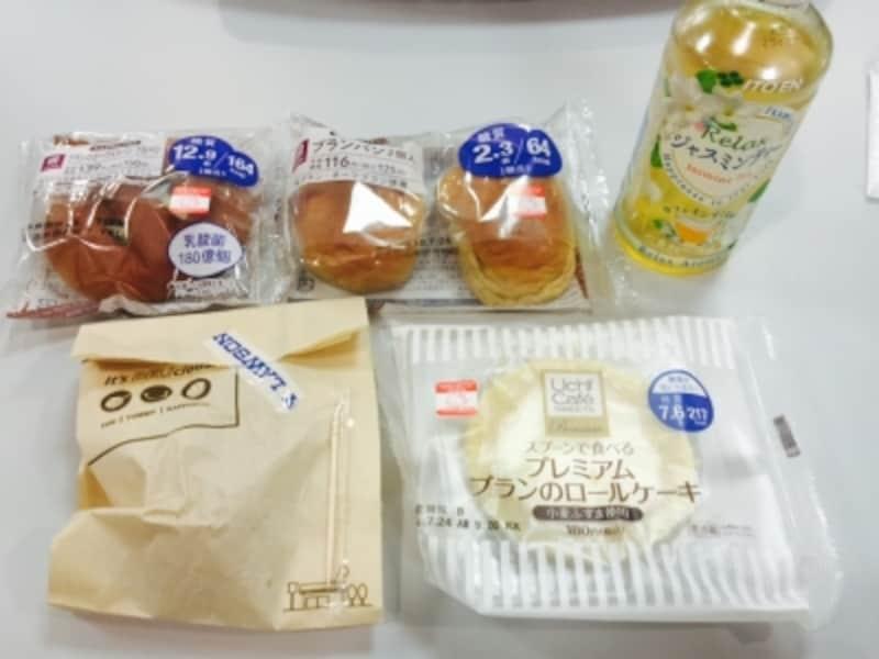 編集部C、D:ブランパン(小麦の外皮でつくられた低糖質のパン)2個、からあげ(5個入り)、ブランのロールケーキ、ジャスミンティー