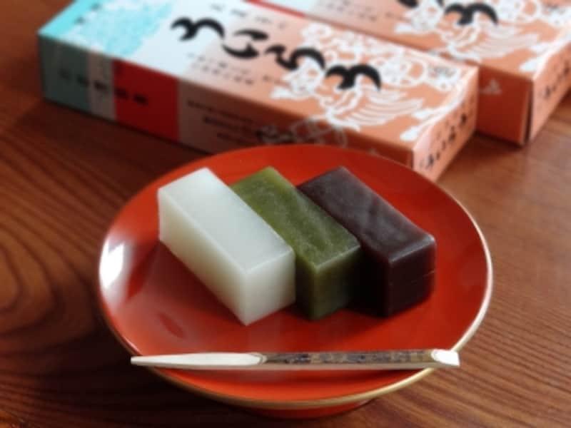 室町時代から続く米粉の蒸し菓子「ういろう」。羊羹(ようかん)に似ているが弾力があり、甘すぎない上品な味わいが特徴