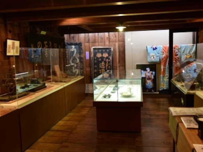 蔵を改装した「外郎博物館」