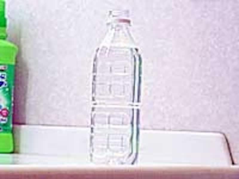 洗濯機(洗濯槽)の掃除:計量カップがわりにペットボトルを利用