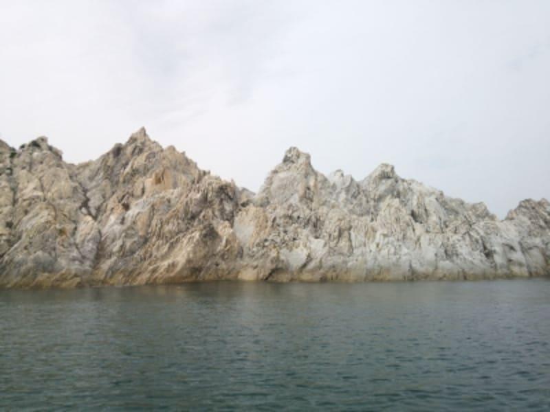 浄土ヶ浜(4)/間近で見る巨岩