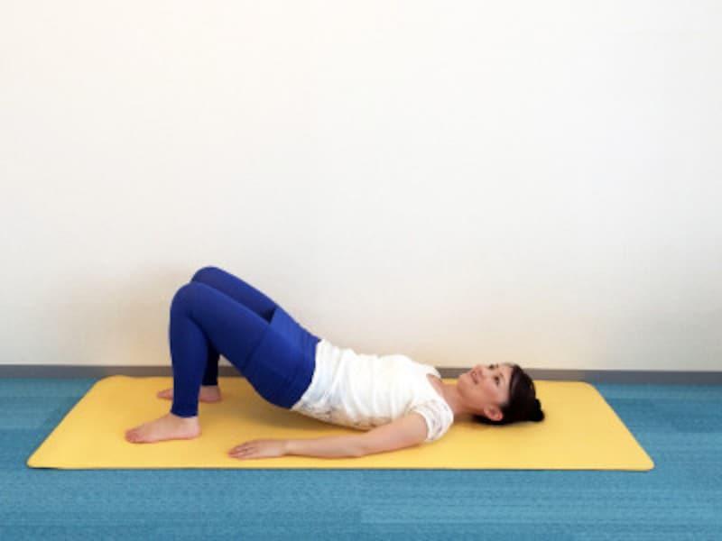 呼吸を意識してゆっくりもち上げる