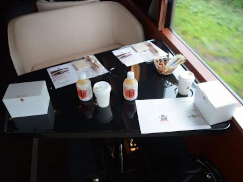 台形状のテーブル席