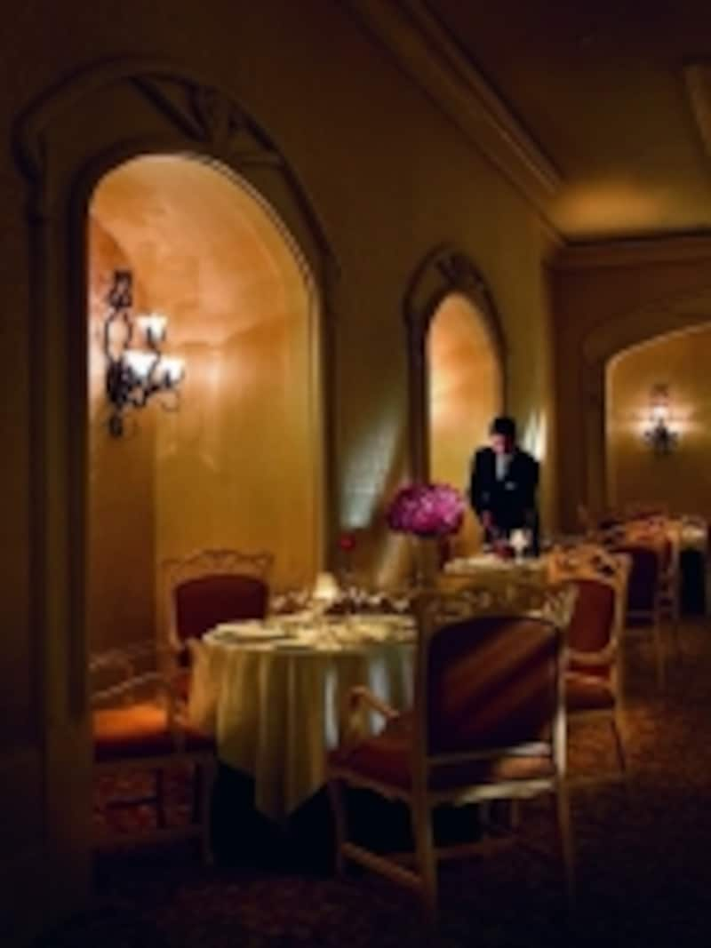 レストラン、ファンティーノ