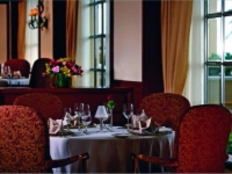 レストラン、クラブグリル