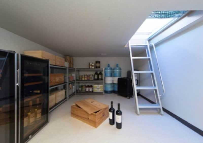 『+Celler(プラスセラー)』は7畳のビッグスペース。季節のアイテムや備蓄品の収納など、便利な空間です