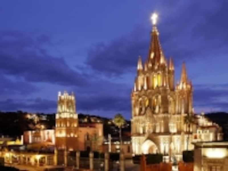 夜のラ・ポロキア教会