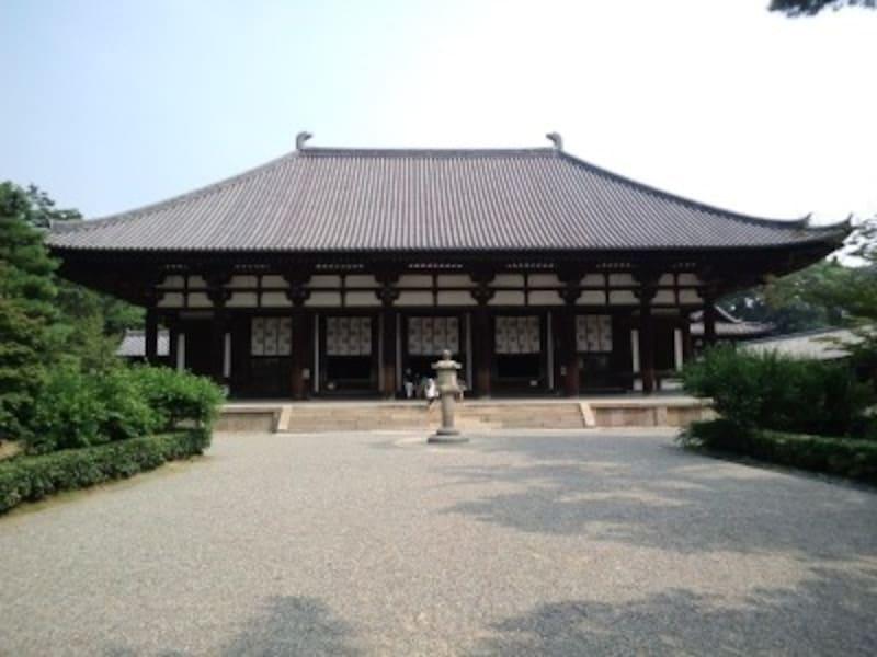 鑑真が建立したとされる唐招提寺です。お隣の薬師寺からは約10分の徒歩です。(撮影:宮本毅